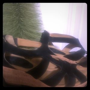 Comfy!Black Softspots sandals. Excellent condition